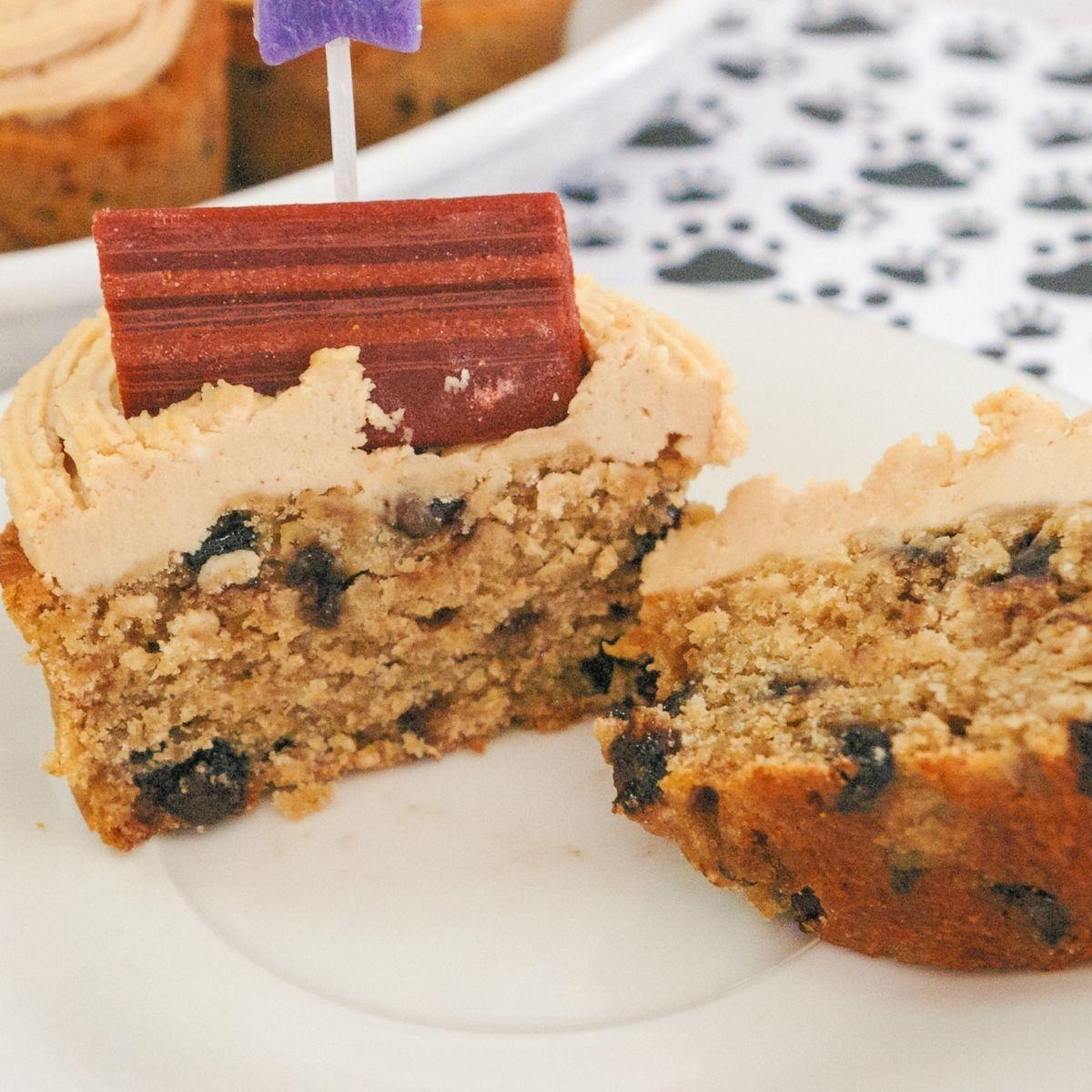 Peanut butter and banana pupcake cupcakes